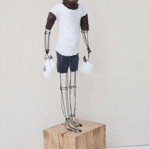 Les courses, sculpture de Caroline Riegert