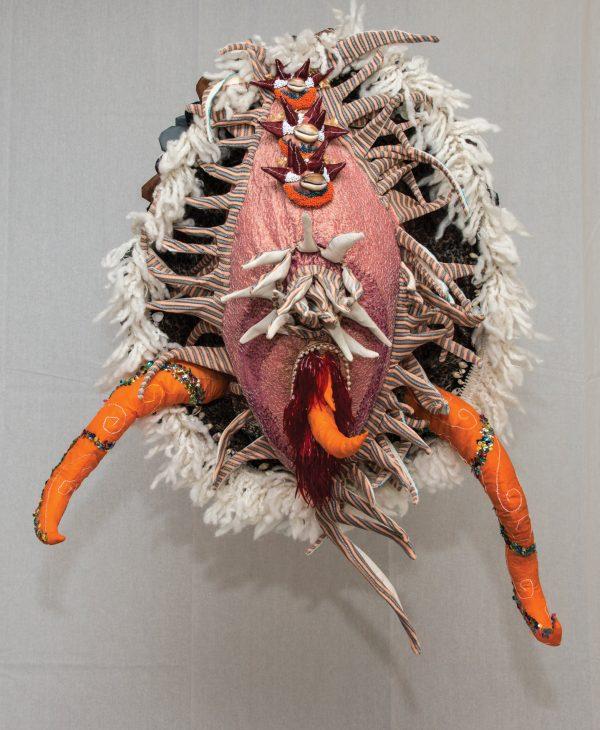 Crustacé - Sculpture textile de Myrtille Béal